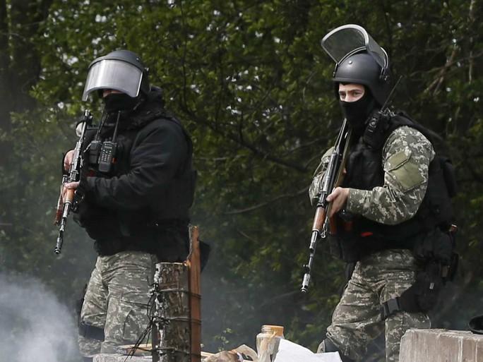 Binh lính Nga tập trận sát biên giới Ukraine. Ảnh: Reuters