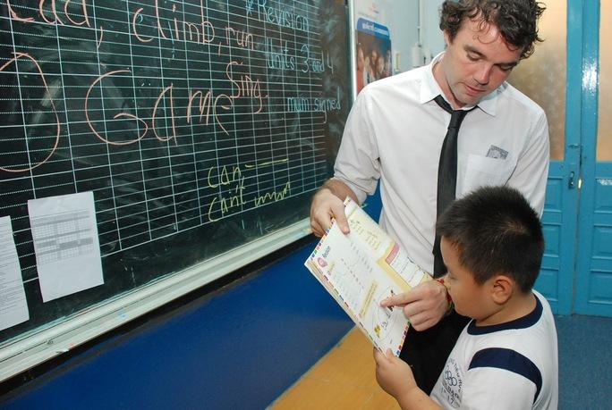 Học sinh học chương trình tiếng Anh Cambridge tại Trường Tiểu học Minh Đạo, quận 5- TPHCM. Ảnh: TẤN THẠNH
