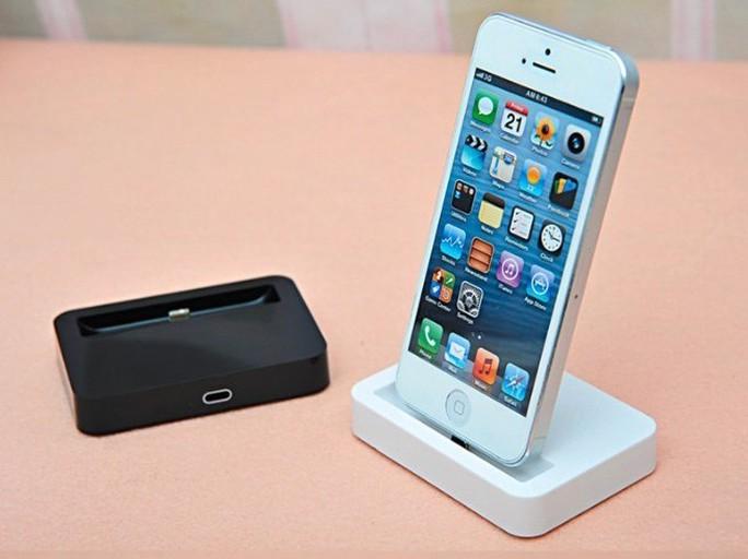 Với nhiều người, iPhone không chỉ là một sản phẩm công nghệ, nó còn là biểu tượng của thời trang, sự sành điệu.