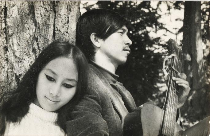 Cố nhạc sĩ Lê Uyên Phương và ca sĩ Lê Uyên yêu nhau từ thuở thanh xuân