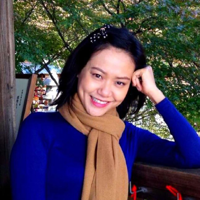 Hồng Ánh sở hữu nhiều nét đẹp giống mẹ, nhất là đôi má lúm đồng tiền