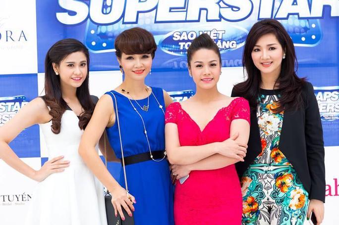 Nhật Kim Anh cùng Mai Thu Huyền, Trương Quỳnh Anh và Giáng My