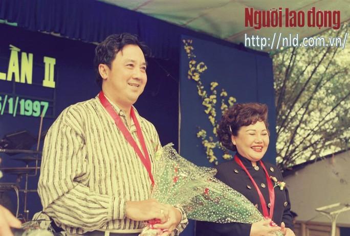 NSƯT Bảo Quốc và NSND Ngọc Giàu nhận giải Mai Vàng lần 1 và 2
