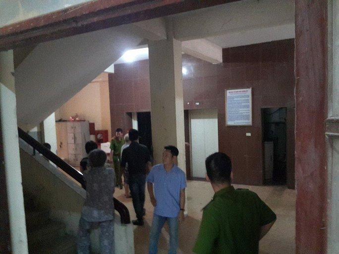 Khu vực thang máy nơi ông Tuấn bị rơi