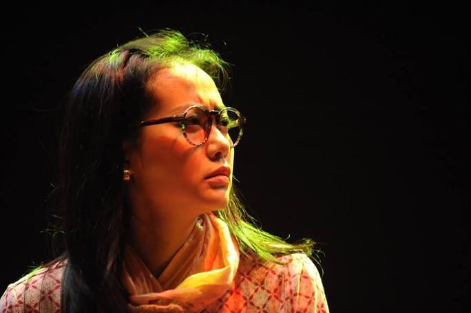 Hồng Ánh trong vai Bích Hồng (vở Cảm ơn mình đã yêu em), vai diễn đoạt giải Mai Vàng năm 2006