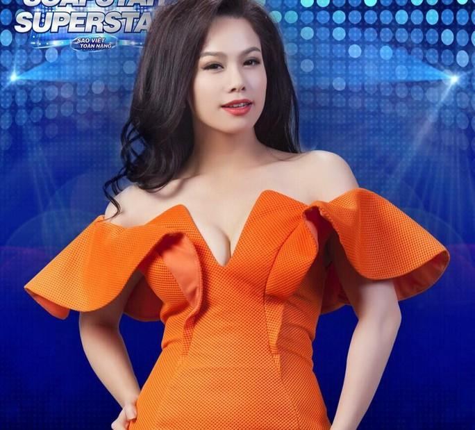 Nhật Kim Anh xuất thân từ ca sĩ nhưng lại được khán giả biết đến nhiều với vai trò diễn viên