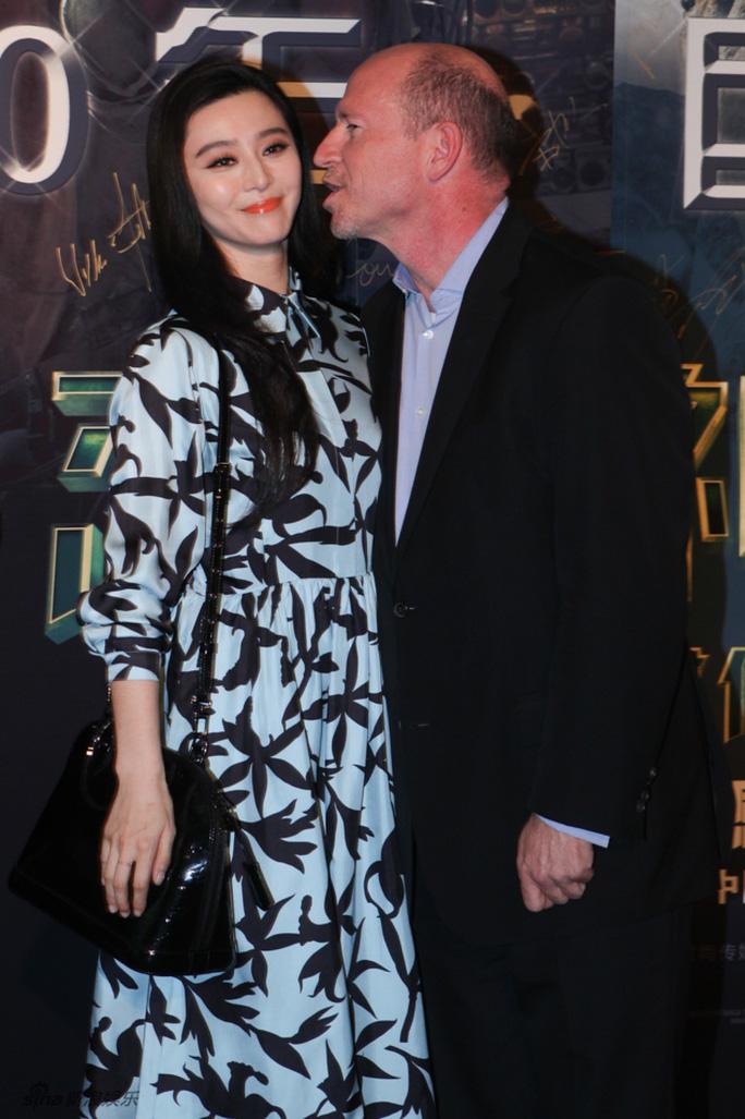 Megan Fox đẹp quyến rũ ở Bắc Kinh