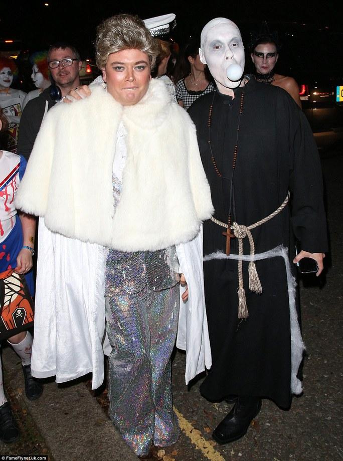 Alan Carr (trái) vàGok Wan