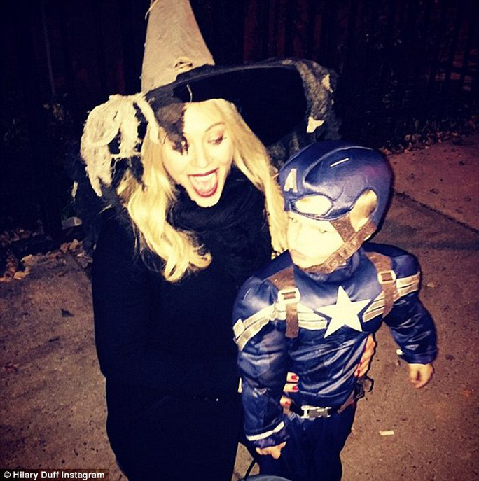 """Sao hóa """"ma, quỷ"""" gây sốc dịp Halloween"""