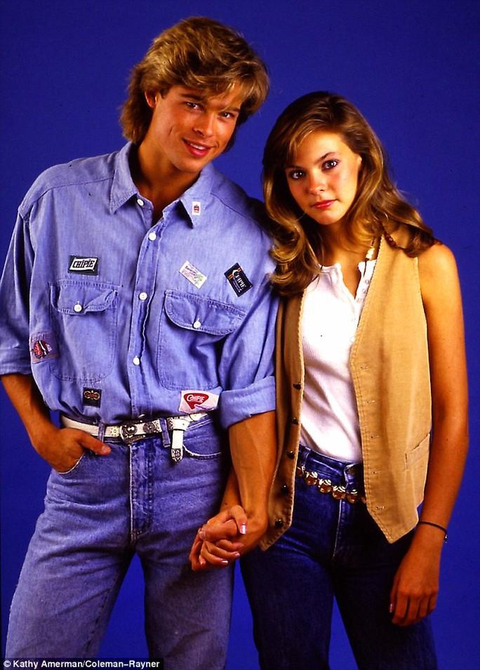 """Ngắm Brad Pitt 23 tuổi, trẻ trung bên """"bạn gái tin đồn"""""""