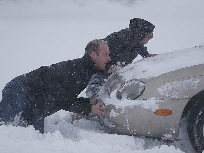 Bang New York hứng chịu bão tuyết nặng nề nhất. Ảnh: AP