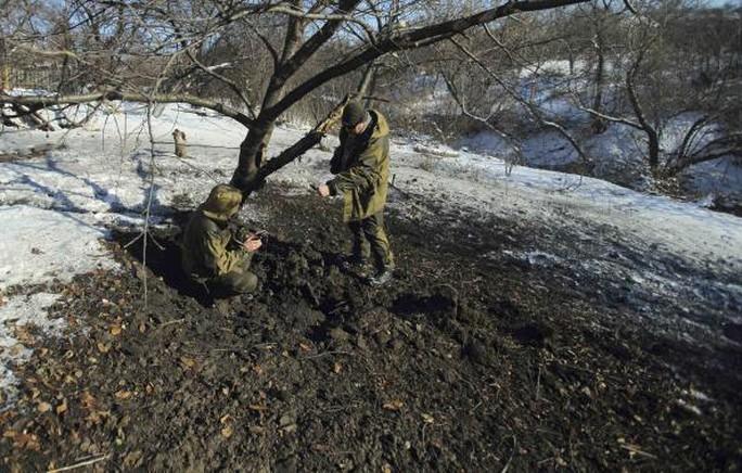 Pháo kích tại TP Donetsk những ngày gần đây. Ảnh: Reuters