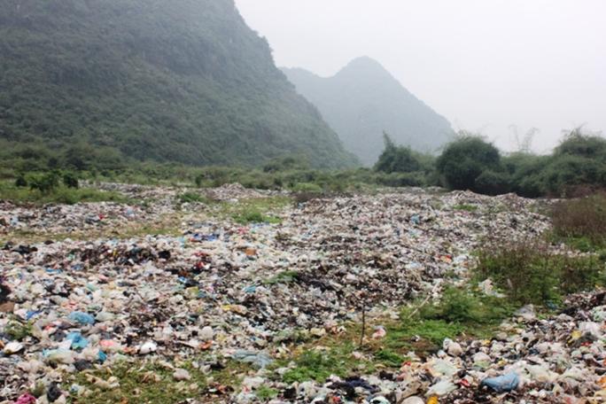 Bãi rác Thung Trâu gây ô nhiễm khiến người dân bức xúc