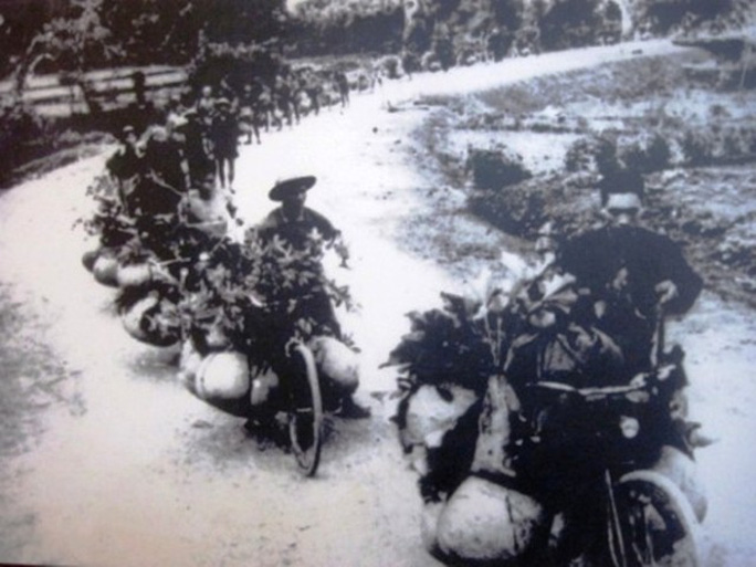 Những chiếc xe đạp thồ trên đường tiến về Điện Biên Phủ