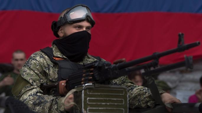 Dự kiến hạn chót là 1-6, Nga sẽ rút toàn bộ quân đội tại biên giới Ukraine về căn cứ. Ảnh: AP