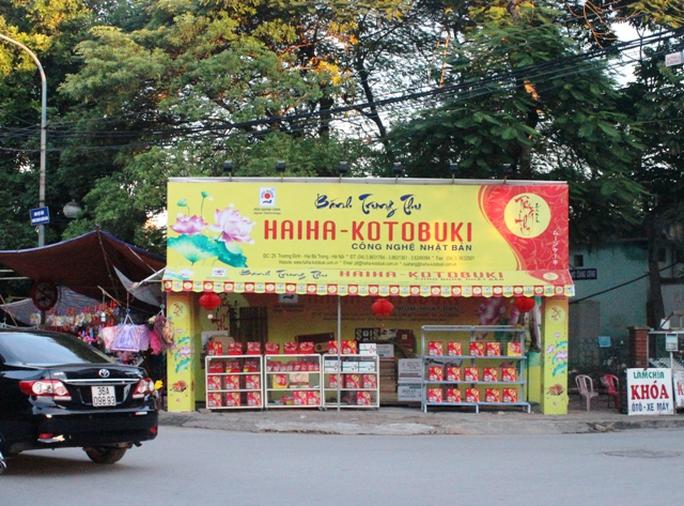 Các thương hiệu bánh trung thu Hữu Nghị, Hải Hà, Kinh Đô... vắng như chùa Bà Đanh