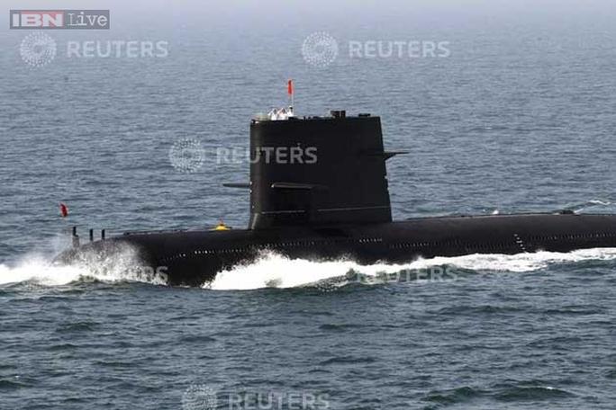 Ngoài chiến đấu cơ, quân đội Trung Quốc còn gặp sự cố với tàu ngầm. Ảnh: Reuters
