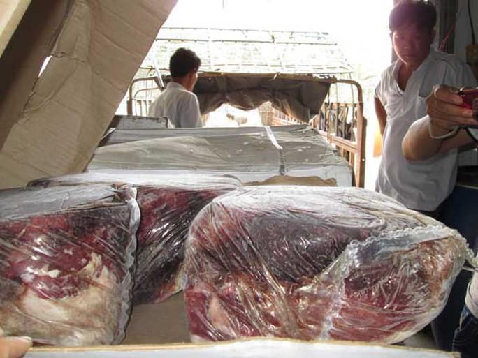 Lô thịt bò quá hạn sử dụng nên về cảm quan đã bị biến chất.