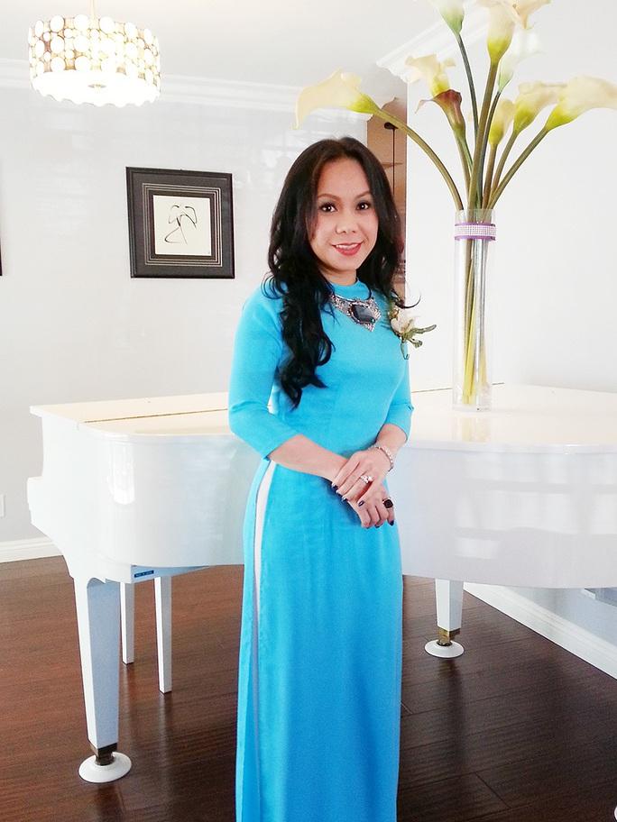 Vợ chồng Việt Hương làm chủ hôn cho bên nhà gái.