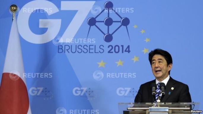 Thủ tướng Nhật Abe tại họp báo ngày 5-6. Ảnh: Reuters