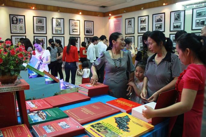 Triển lãm đã thu hút rất nhiều người dân Thanh Hóa đến tham quan