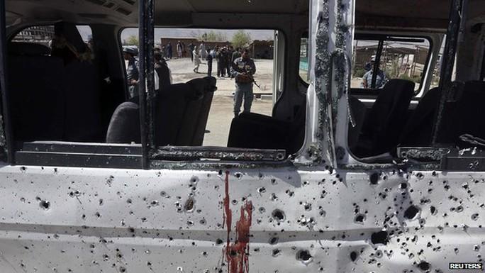 Đánh bom liều chết ở Afghanistan, 89 người thiệt mạng