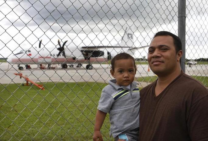 Anh Sau Tongi cũng e ngại về sự an toàn của chiếc máy bay. Ảnh: AP