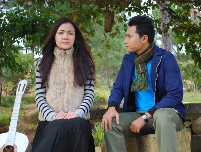 Huỳnh Đông đóng chung với Ái Châu trong một phim truyền hình