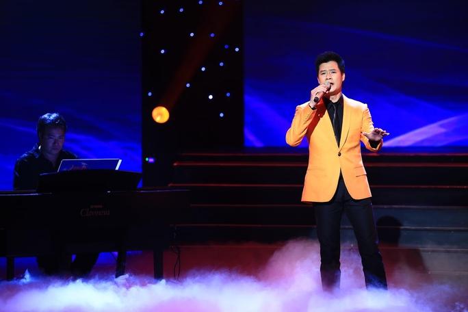 Quang Dũng tham gia biểu diễn