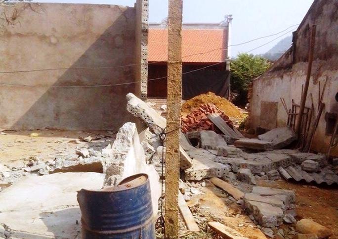 Hiện trường nơi bức tường đè chết 2 người đàn ông ở Thanh Hóa