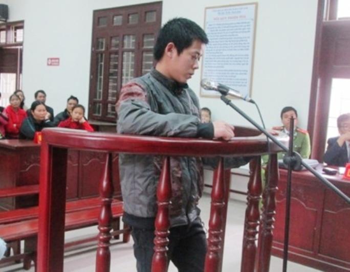 Nguyễn Quang Quân trước vành móng ngựa