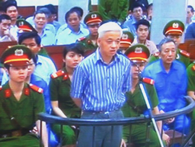 Bị cáo Nguyễn Đức Kiên đề nghị tòa triệu tập đại diện nhiều bộ ngành - Ảnh chụp qua màn hình