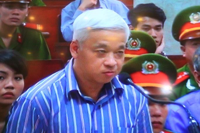 Bị cáo Nguyễn Đức Kiên kêu oan nhưng đề nghị tòa tiếp tục xét xử - Ảnh chụp qua màn hình