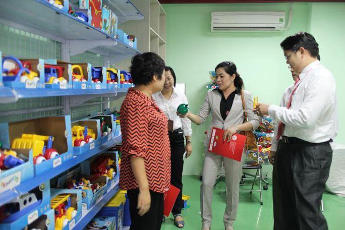 Lãnh đạo LĐLĐ TP HCM tham quan nhà máy Công ty Đại Đồng Tiến