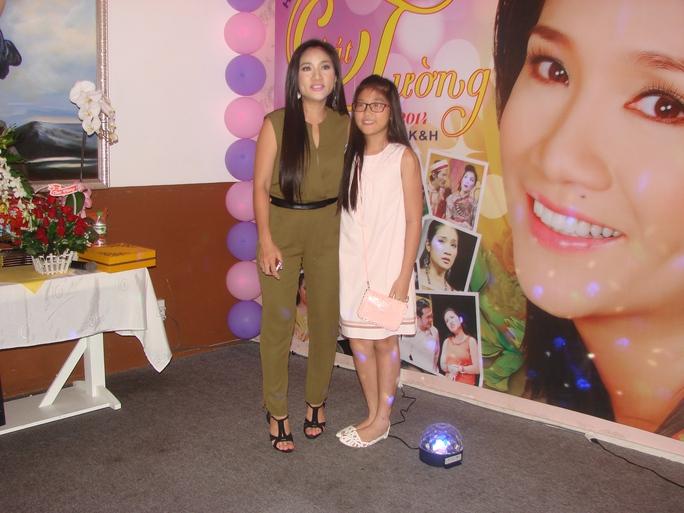 Cát Tường và con gái