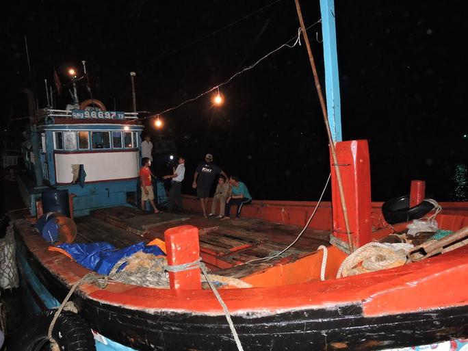 Thêm tàu Việt bị Trung Quốc đập phá tại Hoàng Sa