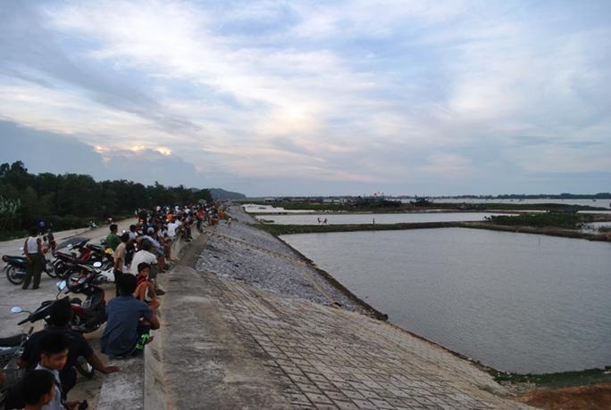 Khúc sông nơi xảy ra cuộc hỗn chiến kinh hoàng vào trưa ngày 7-7-2013 khiến 3 người chết, 9 người bị thương