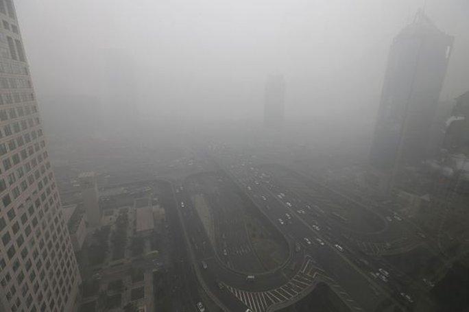 Chỉ số ô nhiễm đo được tại Bắc Kinh đã cao gấp 20 lần so với mức quy định an toàn của WTO. Ảnh: Reuters
