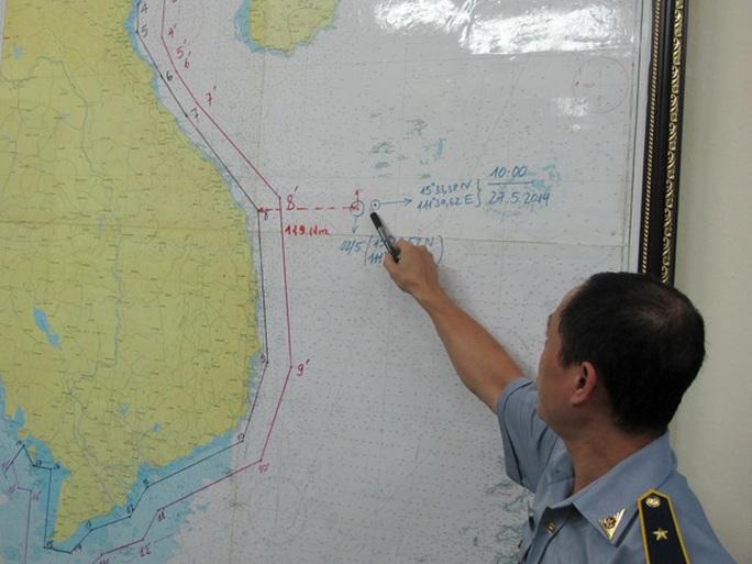 Ông Lê Hà chỉ vị trí mới của giàn khoan Hải Dương 981 vẫn nằm sâu trong vùng biển của Việt Nam