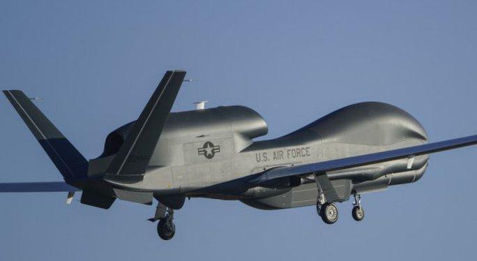 Máy bay không người lái Northrop Grumman Global Hawk. Ảnh: UAS Vision