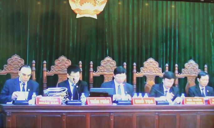 HĐXX quyết định hoãn phiên tòa sau khi chấp nhận lý do vắng mặt của bị cáo Trần Xuân Giá - Ảnh chụp qua màn hình