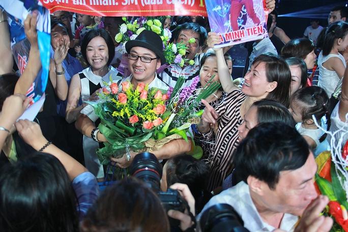 """Hà Minh Tiến, thí sinh được giám khảo Huy Tuấn ví như chú """"ngựa ô"""" khó có thể đi được đường dài, đoạt giải quán quân Sao mai Điểm hẹn"""