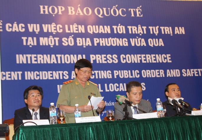 Trung tướng Hoàng Kông Tư khẳng định quyết tâm không để xảy ra mất an ninh trật tự, đảm bảo an toàn tuyệt đối cho các doanh nghiệp, chuyên gia nước ngoài
