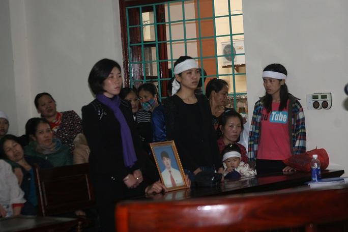 Gia đình bị hại tại phiên toà
