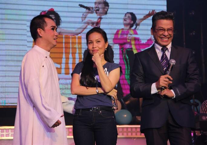Cẩm Ly đã lập tức nhận lời mời của Minh Thuận đến buổi gặp tri ân.