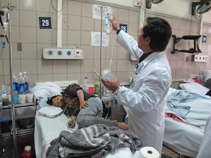 Cháu Lý Minh Khôikhi còn đang được điều trị tại Trung tâm chống độc