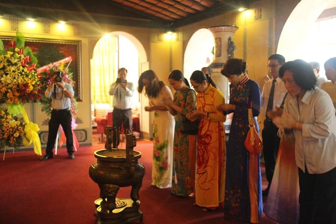 Tổ chức Công đoàn TP HCM tự hào về sự đóng góp của Chủ tịch Tôn Đức Thắng