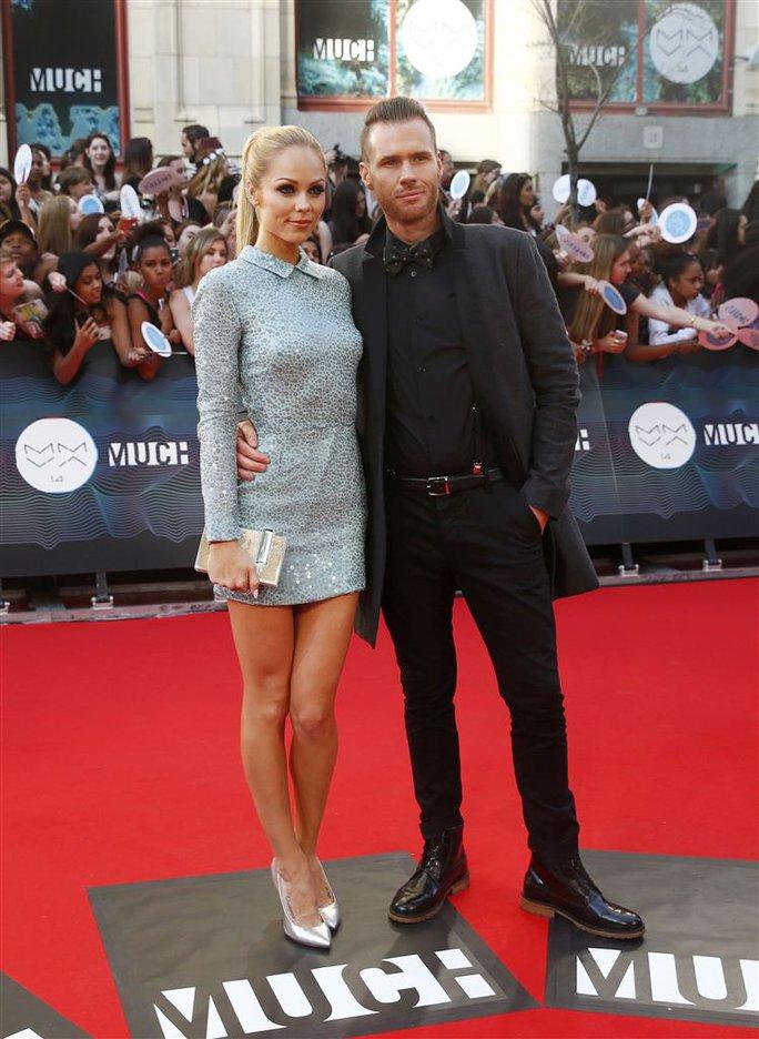 Nữ diễn viên Laura Vandervoot và chồng
