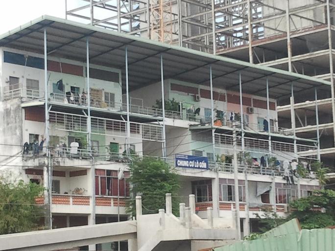 Chung cư Lò Gốm, phường 11, quận 6 – TP HCM, nơi có vụ nhảy lầu để tránh sự trừng phạt của pháp luật.