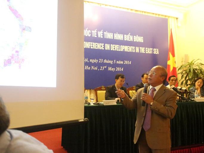 Ông Đỗ Văn Hậu cho biết Việt Nam đã triển khai các hoạt động thăm dò, khai thác dầu khí trong vùng biển thuộc chủ quyền của mình từ những năm 60, 70 của thế kỷ 20